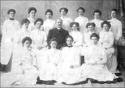 Perm nurses going to Russian-Turkish war, May 1877